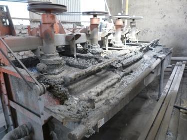 Màquines que extreuen la plata de la pedra