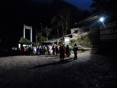 4:45 am. Cua per pujar al Machu Pichu