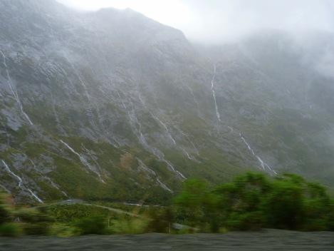 Fiorland National Park ennuvolat i diluviant