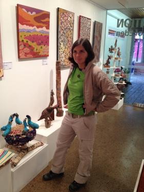 En una galeria d'art aborigen