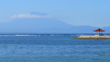 Vistes des de la platja de Sanur