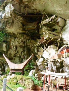 Més coves amb tombes